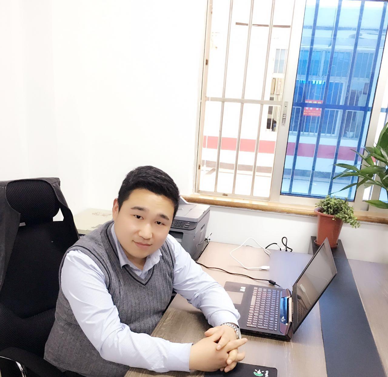 亚虎游戏官网白迪