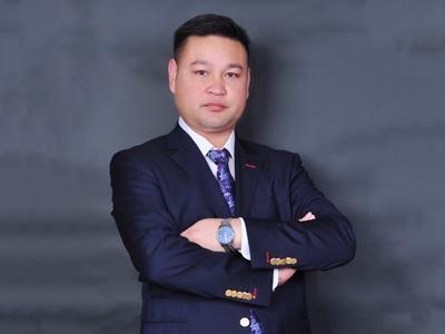 常务副会长余昌权